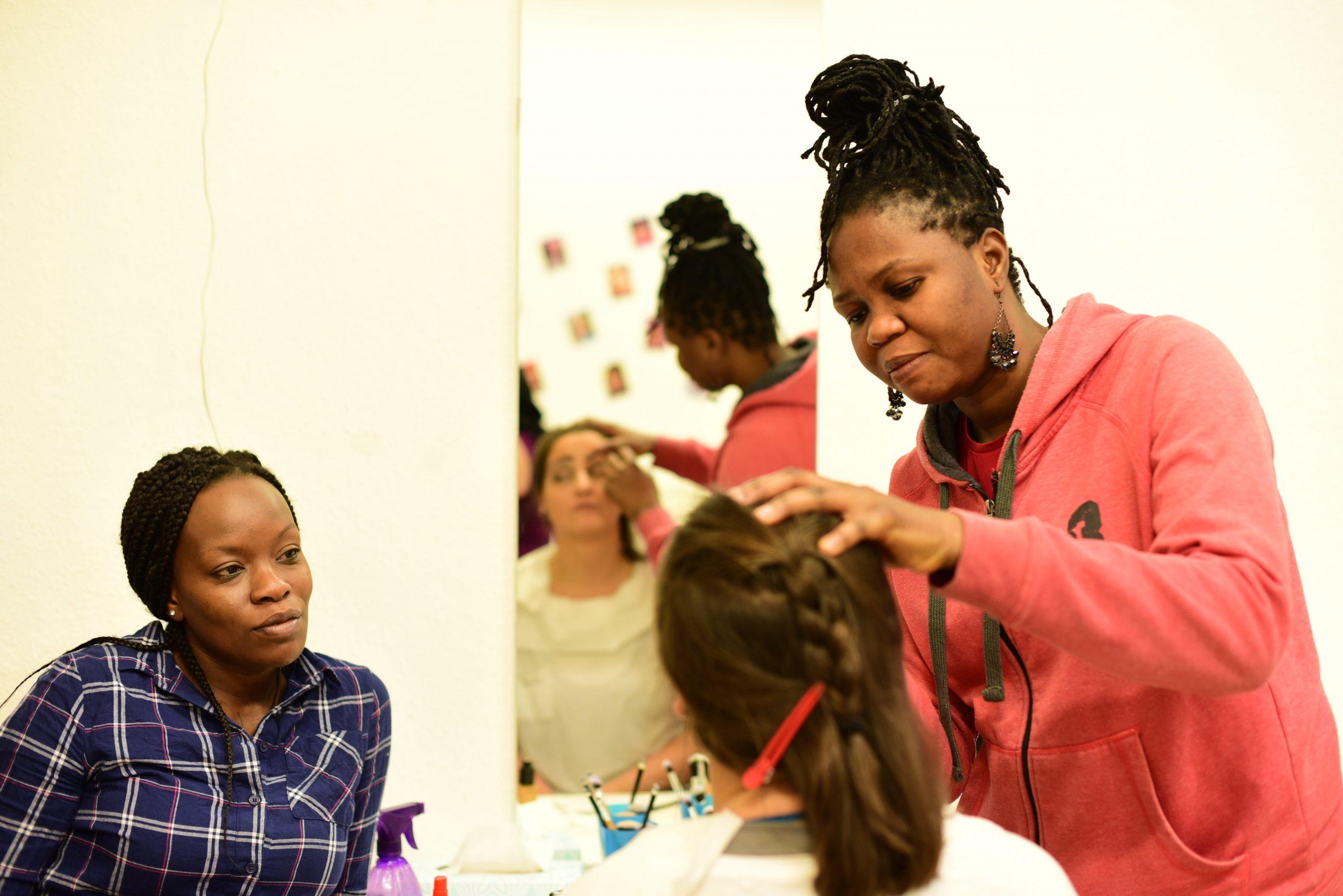 Onlinekurs: Berufsorientierung | Praxiskurs: Friseur/Kosmetik